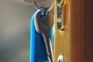 porte-securite-corniere-anti-pince