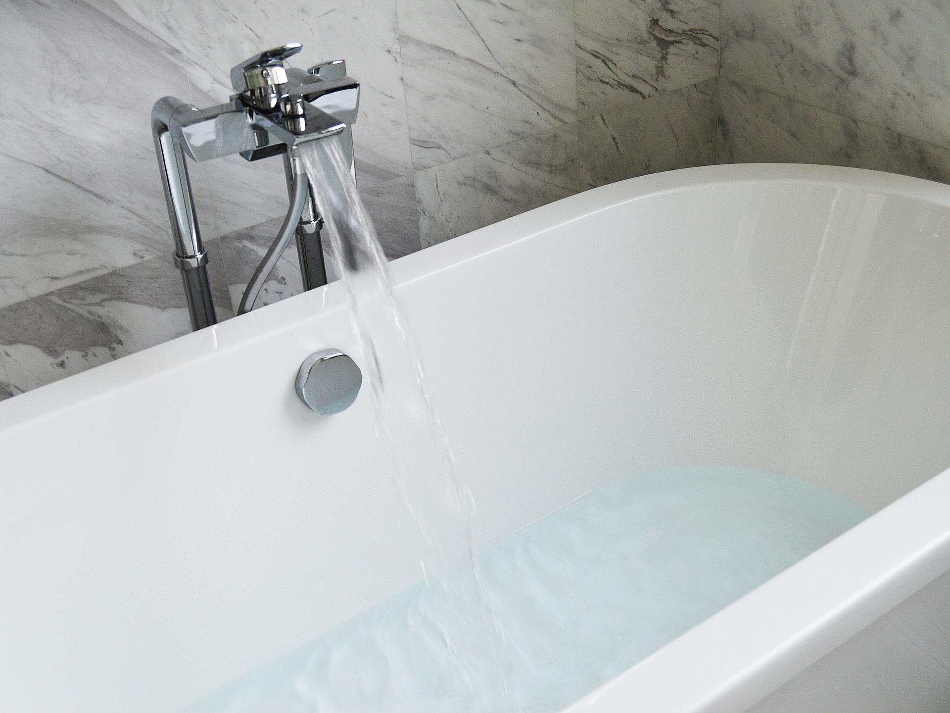 quelques astuces pour d boucher une baignoire. Black Bedroom Furniture Sets. Home Design Ideas