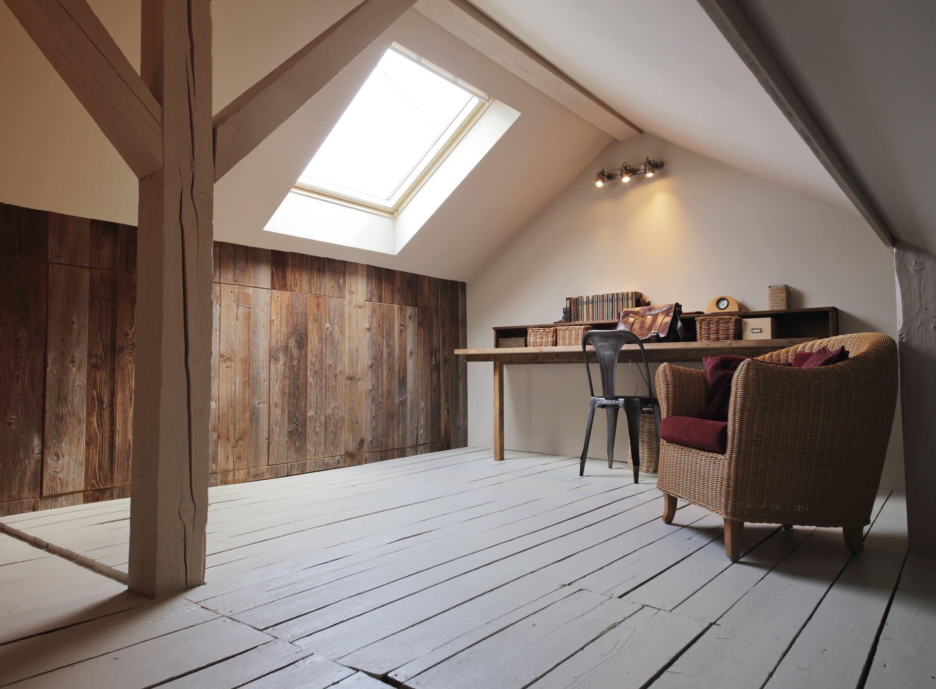 amnagements combles elegant idee amenagement combles petit volume la comb esprit a idee. Black Bedroom Furniture Sets. Home Design Ideas