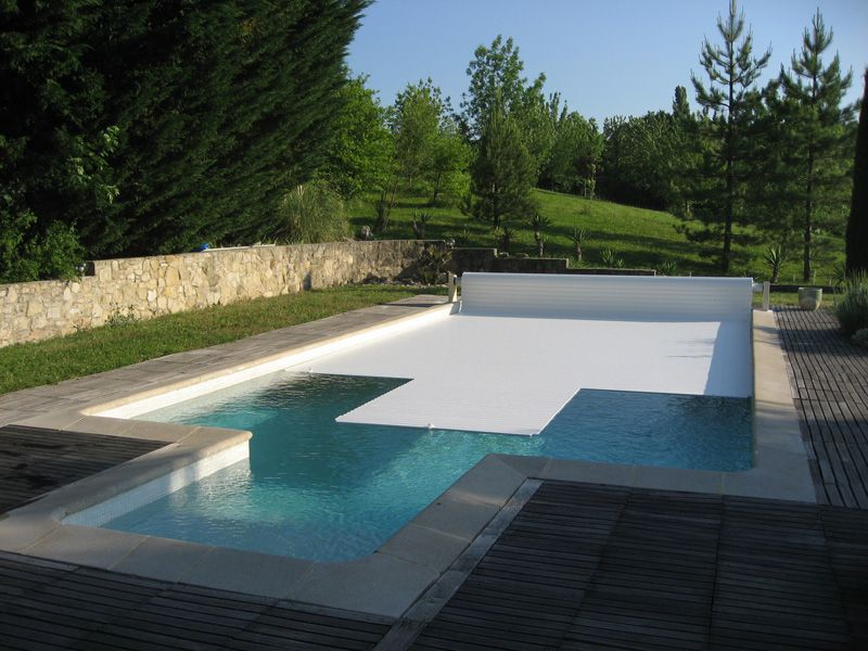 volet pour piscine fabulous volet roulant de piscine with volet pour piscine cool volet. Black Bedroom Furniture Sets. Home Design Ideas