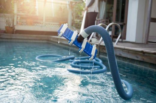 nettoyage piscine aspirateur
