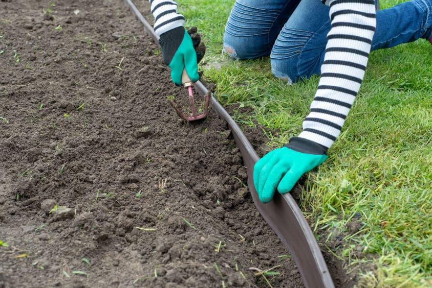 délimiter herbe et terre